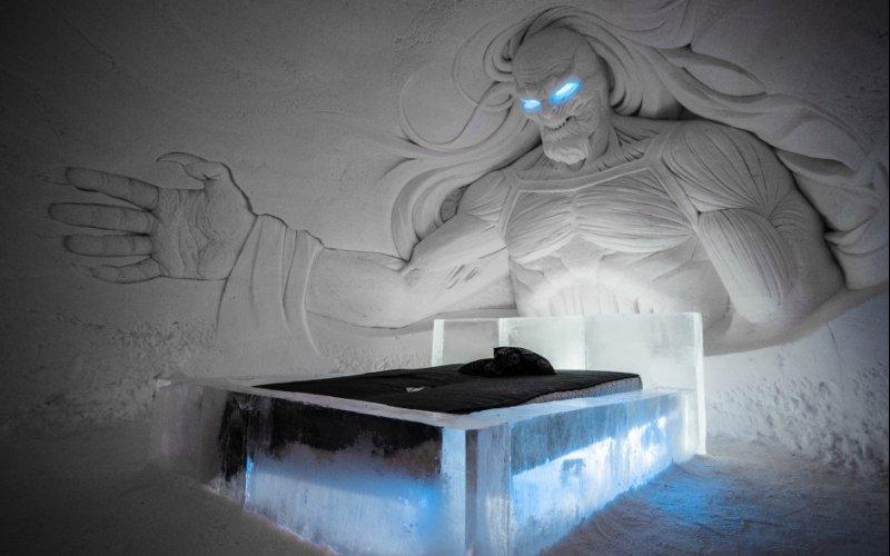 """Świat """"Gry o Tron"""" wyrzeźbiony w śniegu i lodzie"""